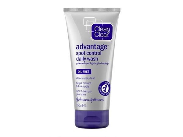 Advantage Quick Clear Daily Treatment Wash