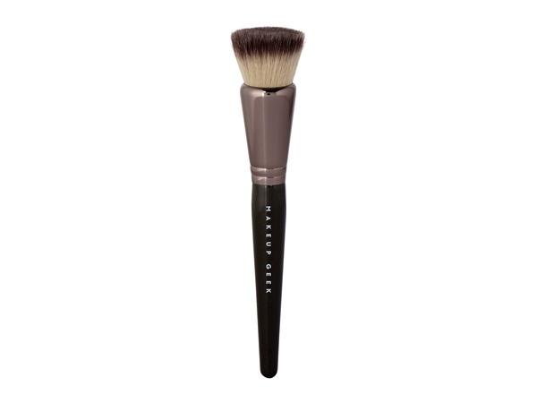Makeup Geek Foundation Stippling Brush