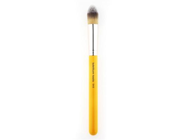 Bdellium Tools Studio Line 949S Pointed Foundation Brush
